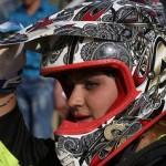 تصاویر/ حرکات نمایشی دختر ایرانی با موتور پرشی