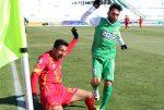 اعتراض هواداران ماشینسازی به عدم برفروبی سکوهای ورزشگاه یادگار امام (ره) تبریز + عکس