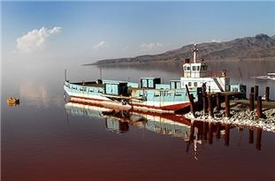 دریاچه ارومیه دستاویزی برای تبلیغات سیاسی در آستانه انتخابات