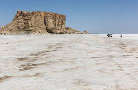 نامه به رهبر به جای استیضاح مسببین خشکی دریاچه اورمیه!